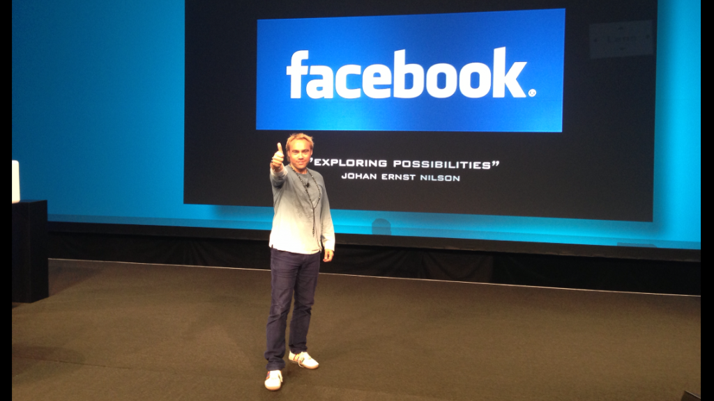 2000 people from 33 countries waiting in the audience at Facebook